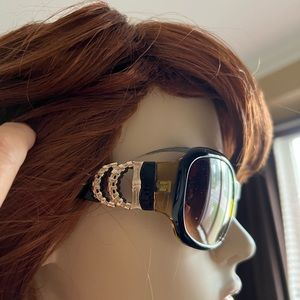 Womens sunglasses. No scratches - great condition - gorgeous !